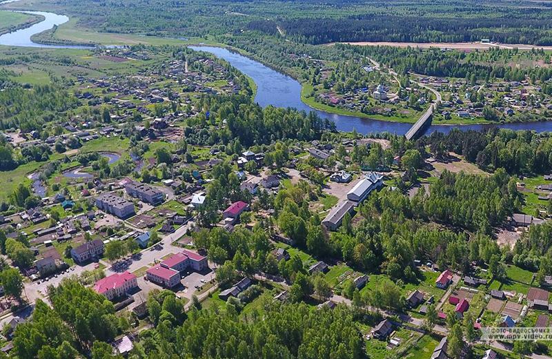 В Великом Новгороде прошла церемония вручения первых офицерских погон сотрудникам органов внутренних дел